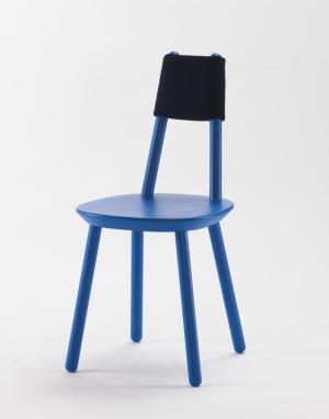 Naïve Chair blauw geschilderd essenhout